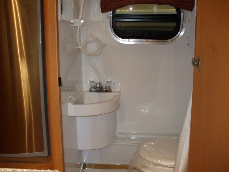 Portable Living Mini House On Wheels Journey To A